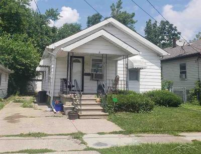 Flint Single Family Home For Sale: 810 Campbell Street