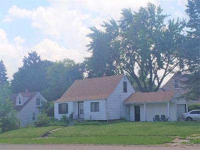 Flint Single Family Home For Sale: 3213 Sherwood Drive