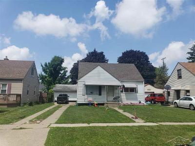 Flint Single Family Home For Sale: 1510 Blueberry Lane