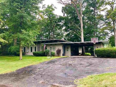 Saginaw Single Family Home For Sale: 272 Gas Light