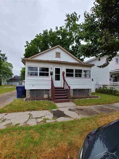 Bay City Single Family Home For Sale: 402 McCormick