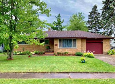 Saginaw Single Family Home For Sale: 915 Homedale