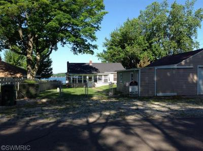 Cass County Single Family Home For Sale: 61436 Leigh Avenue
