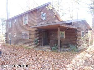 Waterfront log cabin home for sale on Lake Chapin