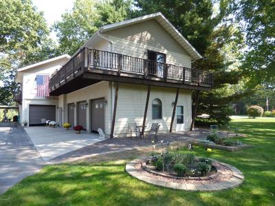 St. Joseph Single Family Home For Sale: 2739 Riverfront Path