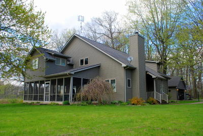 Branch County, Hillsdale County Single Family Home For Sale: 319 Kope Kon Point