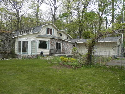 St. Joseph County Single Family Home For Sale: 21400 North Shore Drive