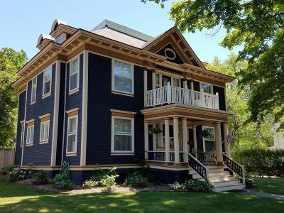 Ludington Single Family Home For Sale: 302 N Harrison Street