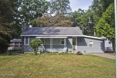 Dowagiac Single Family Home For Sale: 95520 Magician Drive