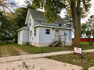 Lake Odessa MI Single Family Home For Sale: $69,000