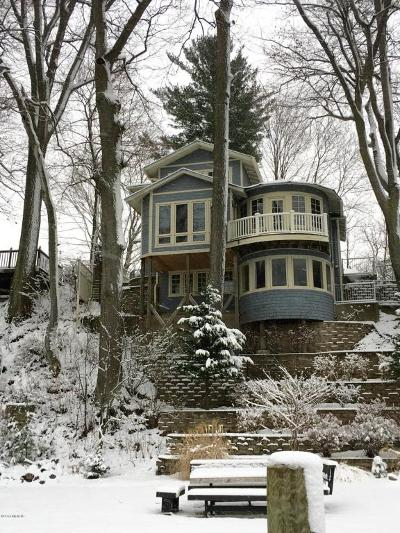 Saugatuck, Douglas Single Family Home For Sale: 1044 Holland Street