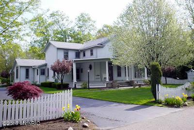 Saugatuck Single Family Home For Sale: 736 Pleasant Street