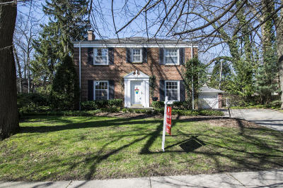 East Grand Rapids Single Family Home For Sale: 977 Gladstone Drive SE