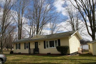 Benton Harbor Single Family Home For Sale: 8696 Skibbe Drive