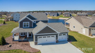 Grand Haven Single Family Home For Sale: 12981 Acacia Drive
