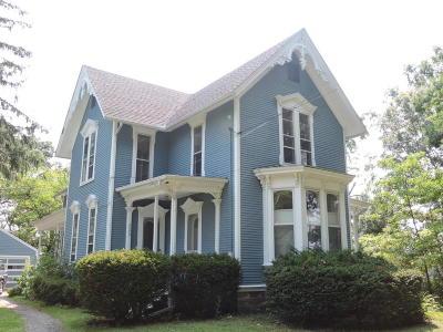 Single Family Home For Sale: 4040 Kalamazoo Avenue SE