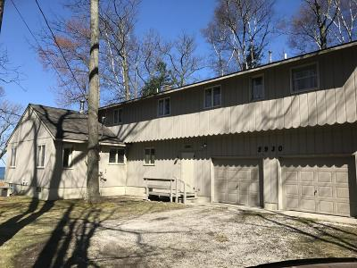 Manistee County Single Family Home For Sale: 5930 Lakeshore Road