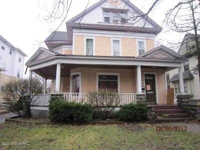 Kalamazoo Multi Family Home For Sale: 615 W Lovell Street