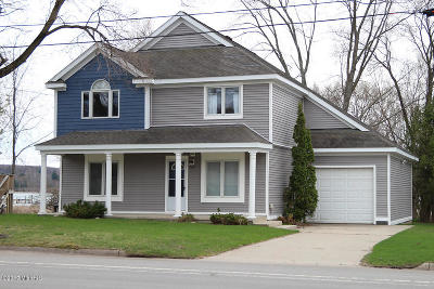 Manistee County Single Family Home For Sale: 5065 Main Street