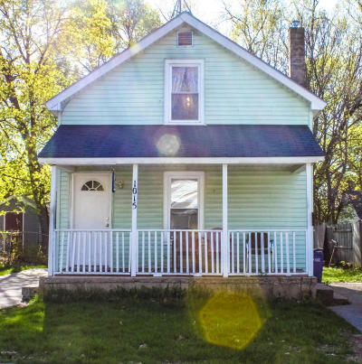 Single Family Home For Sale: 1015 Gibson SE