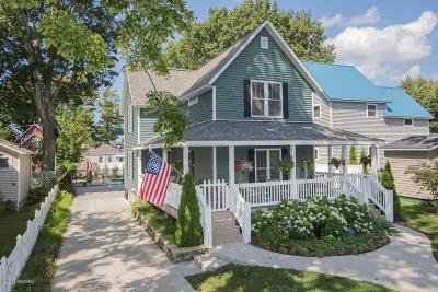 South Haven MI Single Family Home Active Backup: $549,900