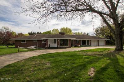 Dowagiac Single Family Home For Sale: 26841 Dutch Settlement Road