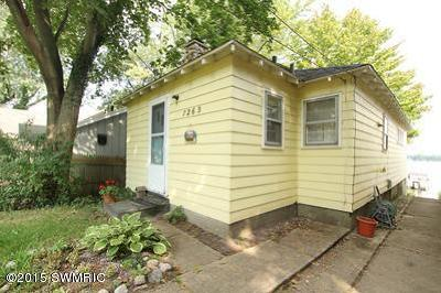 Single Family Home For Sale: 7263 Belding Road NE