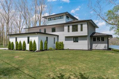 Kalamazoo Single Family Home For Sale: 4616 Winding Way