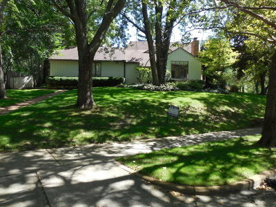 East Grand Rapids Single Family Home For Sale: 208 Pioneer Club Road SE