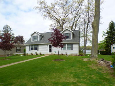 Dowagiac Single Family Home For Sale: 50384 Cable Lakeview Drive