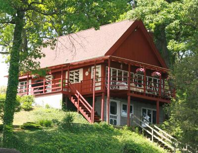 Van Buren County Single Family Home For Sale: 48112 70th Ave.