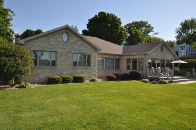 Vandalia Single Family Home For Sale: 16793 Lakeview Drive