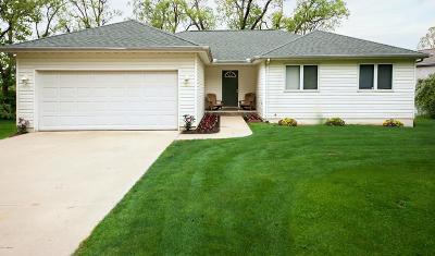 Eau Claire Single Family Home For Sale: 7476 Pond A Rosa Drive
