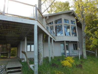 Manistee County Single Family Home For Sale: 10190 Ivanhoe Drive
