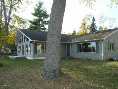St. Joseph County Single Family Home For Sale: 23143 River Run Road