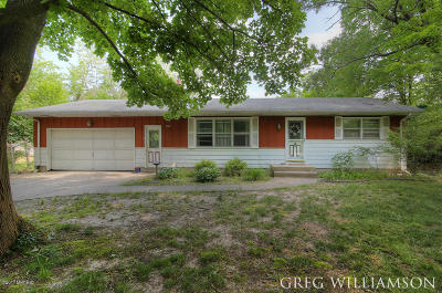 Grand Rapids Single Family Home For Sale: 3587 Knapp Street NE