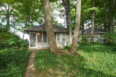 Holland Single Family Home For Sale: 4552 Lovers Lane