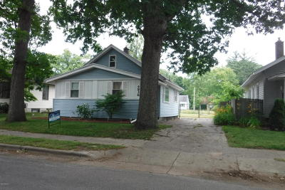 Single Family Home For Sale: 4936 Walton Avenue SW