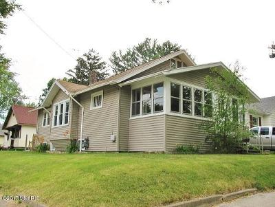 Muskegon Single Family Home For Sale: 963 W Southern Avenue