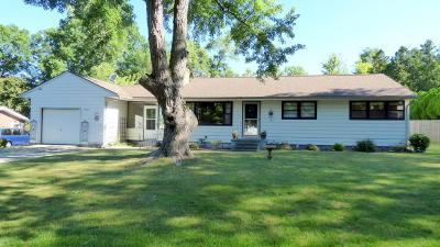 Dowagiac Single Family Home For Sale: 27880 Burmax Park
