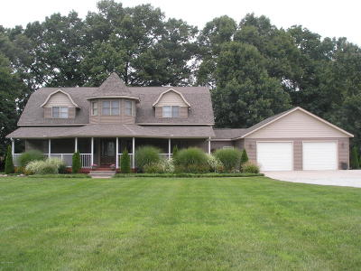 Marcellus Single Family Home For Sale: 16800 Finch Road