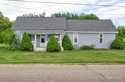 Single Family Home For Sale: 19980 Daggett Avenue