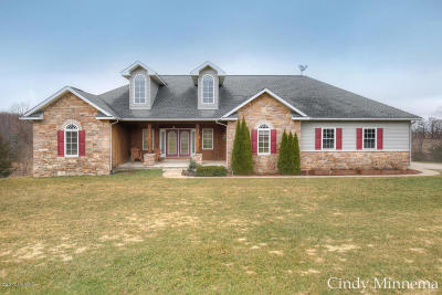 Middleville Single Family Home For Sale: 11396 Ridge Point Drive