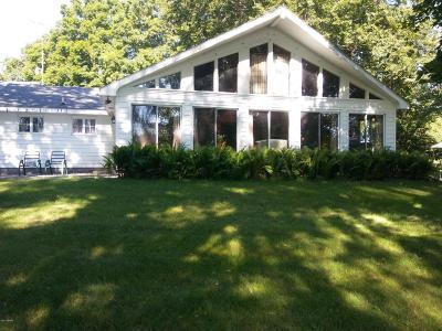 Fremont Single Family Home For Sale: 7124 Robinwood
