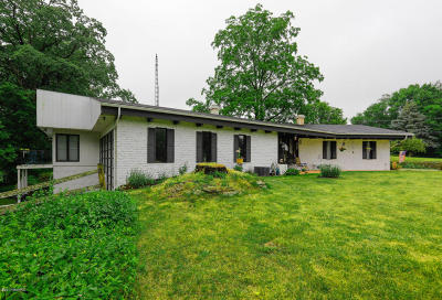 Single Family Home For Sale: 67 Sycamore Bend