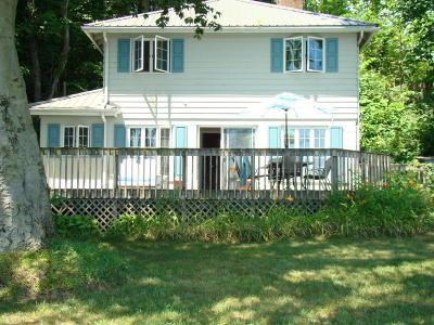 Vandalia Single Family Home For Sale: 63101 Walnut Road