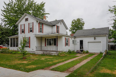 Paw Paw Single Family Home For Sale: 202 N Lagrave Street