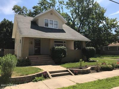 Wyoming Single Family Home For Sale: 1810 Delwood Avenue SW
