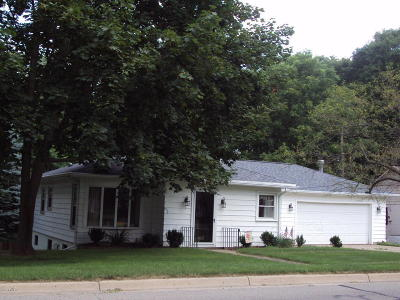 Hillsdale MI Single Family Home For Sale: $109,900