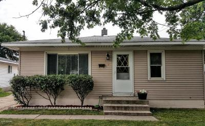 Single Family Home For Sale: 327 43rd Street SW